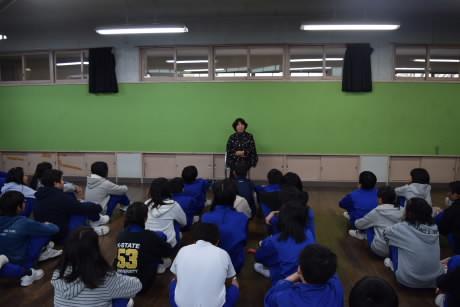 H30_folk storyteller1.jpg
