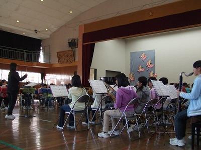 2011.12.17.arigatou concert 2.jpg