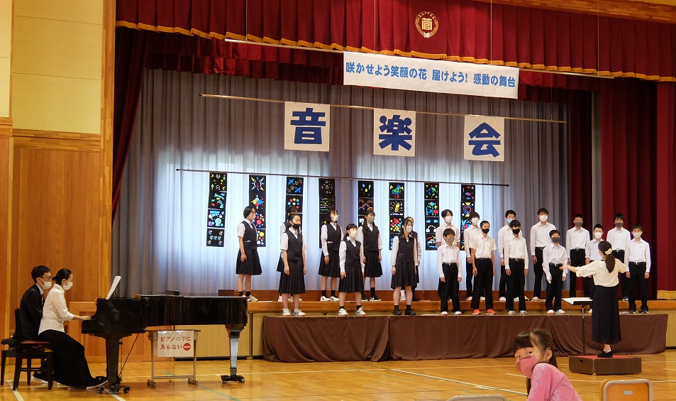 中学生合唱.jpg